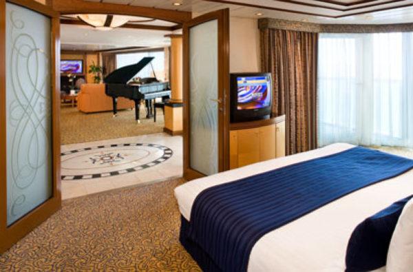 Brilliance Suite_deluxe stateroom