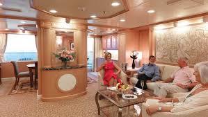 QE2 Lounge