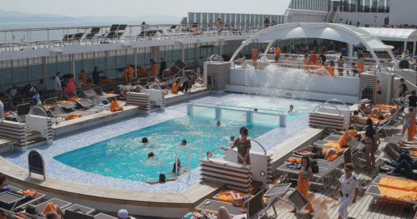 msc_armonia_pool_deck