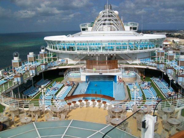 po_ventura_pool_deck