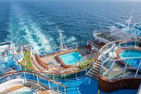 emerald_princess_pool_deck