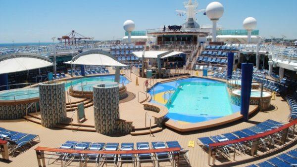 explorer_pool_deck