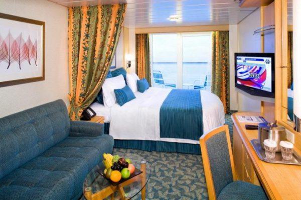 freedom_of_the_seas_cabins_balcony