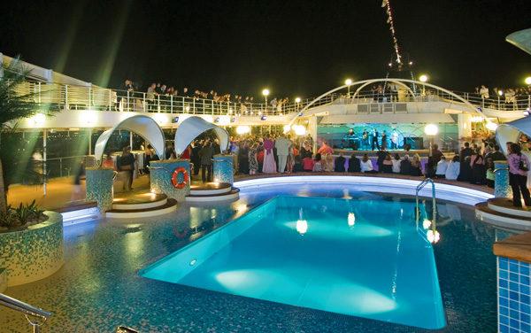nsc_sinfonia_pool_deck