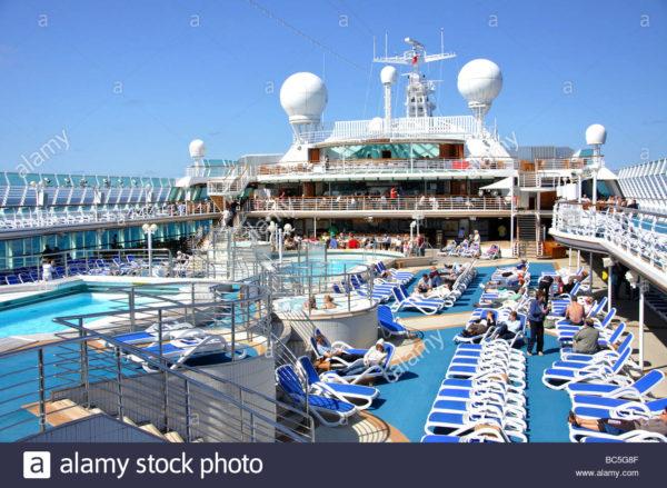 po-oceana-pool_deck